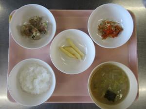 ⑭ぱくぱく食(シューマイ、もやしの煮物、みそ汁、りんご)